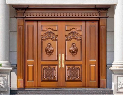 铜门通常可以分:纯铜门,覆铜门、镀铜门、仿真铜门、铜铝门、仿铜门