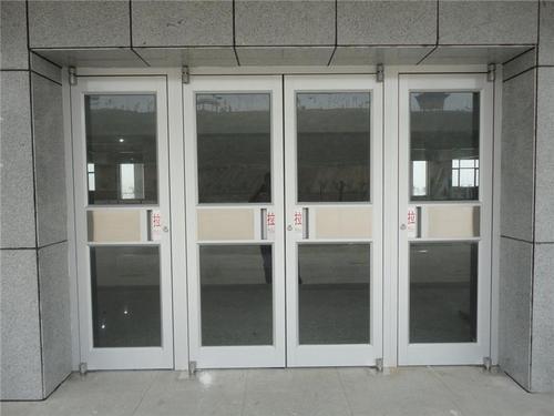 较好的肯德基门厂家玻璃为安全考虑会钢化,而采用钢化玻璃