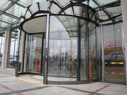 内蒙古旋转门外型美观、性能可靠、是自动旋转门、自动平移门和豪华展箱的完美结合