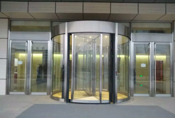 同样是自动门,为何酒店都偏爱安装内蒙古旋转门?
